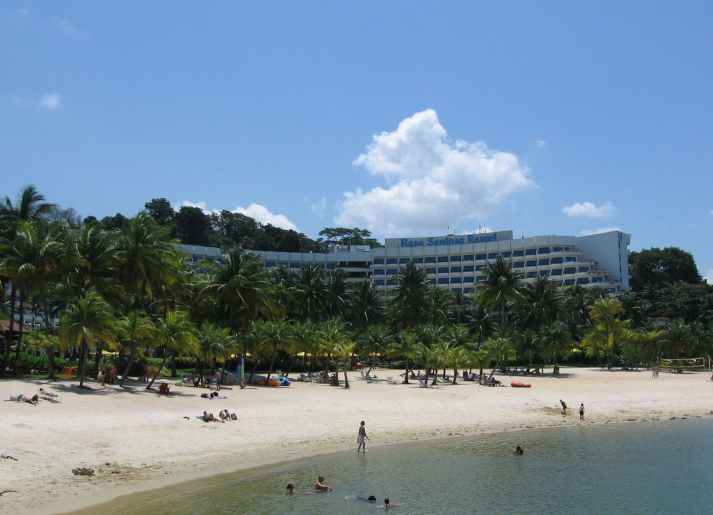 Shangri-La's Rasa Sentosa Resort 5*