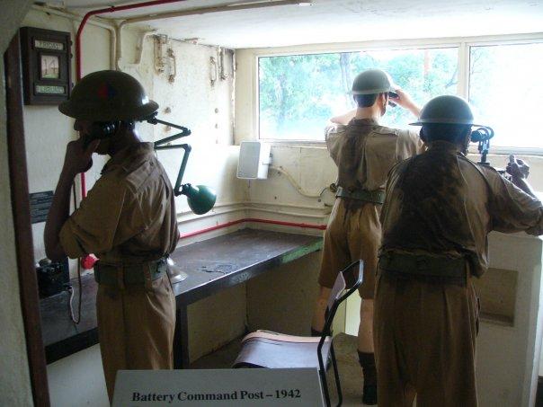 Восковые фигуры солдат