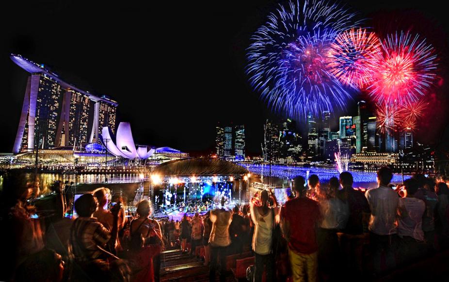 Новогодний фейерверк в Сингапуре